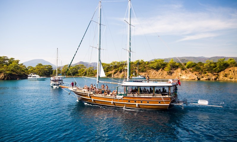 Fethiye'den Yelkenli Tekne ile 12 Adalar Turu